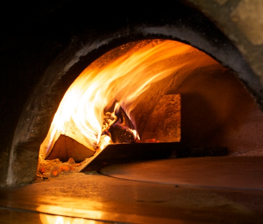 Wood Fired Pizzas with Fresh Ingredients in Copthorne, East Grinstead, Horley